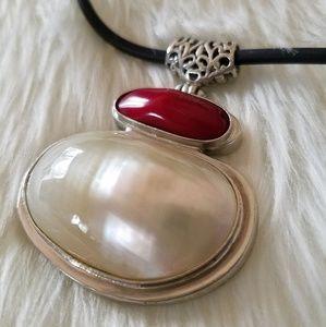 Jewelry - Simple opal pendant necklace